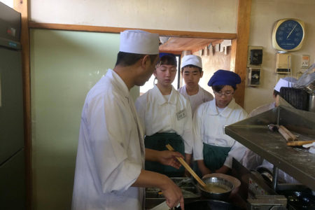 中学生のお蕎麦屋体験