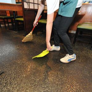 ホール清掃